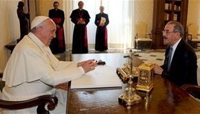 Danilo Medina trató con el papa Francisco sobre el proceso de naturalización
