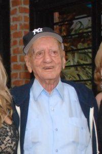 Tontón Fadul, fundador de la popular Casa Bader, falleció este lunes en Santiago a la edad de 93 años.