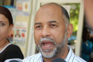 ADP condiciona firma pacto con Educación