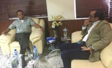 Alcalde de Cabrera discute con director de AMET acciones para mejorar el tránsito en el municipio