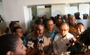 Empresarios y sindicalistas concluyen reunión sin llegar a un acuerdo sobre salarios