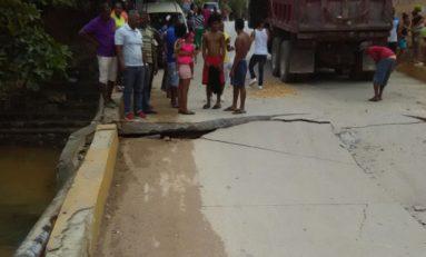 Colapsa puente en la comunidad El Limón en Samaná