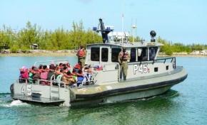 Autoridades de Islas Turcas y Caicos apresan 40 pescadores dominicanos por pesca ilegal