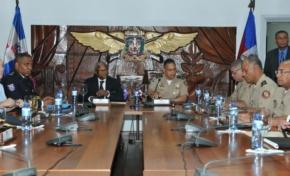 Jefe MINUSTAH y de la policía haitiana se reúnen con ministro de Defensa dominicano