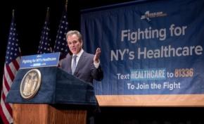 Fiscal General Schneiderman y el gobernador Cuomo anuncian NY demandará si proyecto sobre salud se convierte en ley