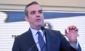 Luis Abinader pide que se respete la dignidad de la mujer dominicana