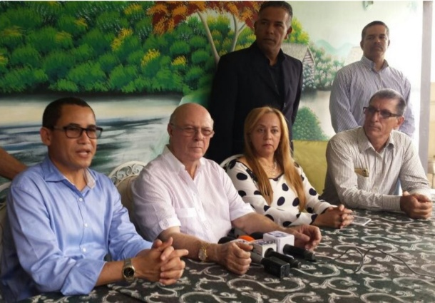 Hipólito sugiere haitianos trabajen en RD por contrato, como era hace 40 años