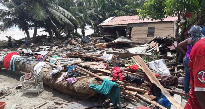 Autoridades prometen construir 52 viviendas destruidas por efectos de Irma en Nagua