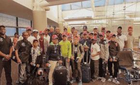 Arriba a NY delegación dominicana de beisbol para intercambio de Pequeñas Ligas