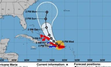Huracán María se degrada a categoría 2, pero aumentaría su fuerza este jueves