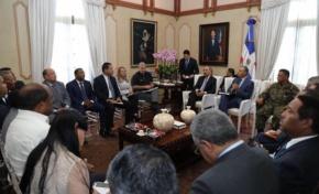 Gobierno construirá dos muros de contención y un puente en Montecristi