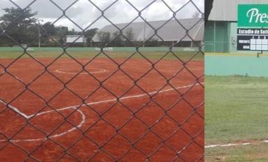 Cervecería entrega totalmente remodelado el estadio Garabato Sackey para Clásico Luis Hernández