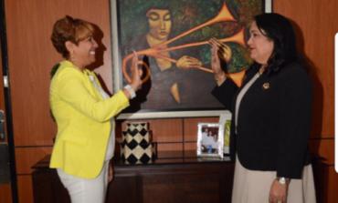 Regidora Arabella Martínez se juramenta como presidente del PAL en RSJ; dice renunció del BIS porque organización la marginó