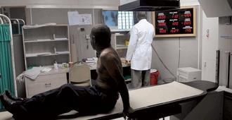 Autoridades analizan decisión de clínicas de no aceptar imágenes de otros centros; CDM dice medida es ilegal