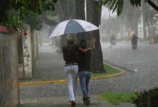 Aumentan a 11 las provincias en alerta; lluvias seguirán hasta el lunes