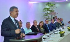 Leonel dice RD es el país de América Latina con mayor crecimiento anual en medio siglo