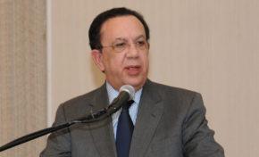 Presidente confirma a Valdez Albizu como gobernador del Banco Central; Humberto Salazar a Corea