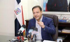 Abel Martínez arremete contra incremento de parturientas haitianas en RD