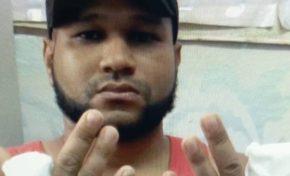 Narcos cortan con un machete dedos de las manos de un joven
