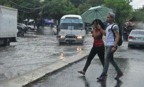 Vaguada y onda tropical provocarán lluvias el fin de semana; 17 provincias siguen en alerta