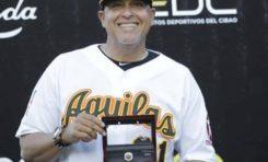 Las Águilas Cibaeñas despiden a su dirigente Lino Rivera un día después de entregarle su anillo de campeón