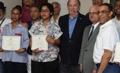 Ministerio de Cultura entrega premios a ganadores concurso de Teatro