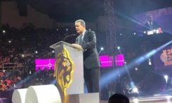 Se le va la guagua a Leonel durante discurso en Santiago; olvida que las Águilas Cibaeñas ganaron campeonato año pasado
