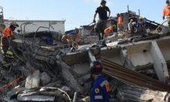 Recuperan un séptimo cadáver entre escombros de Polyplas; se trata de hombre que se devolvió a rescatar compañeras